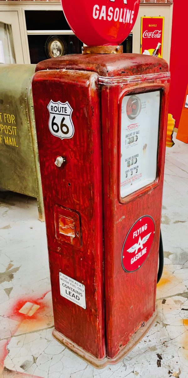 Pompe à essence américaine Flying gasoline Tokheim