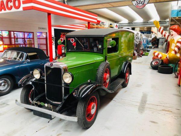 authentique camion Bedfort de 1938 , moteur 6 cylindre ,2400 cc