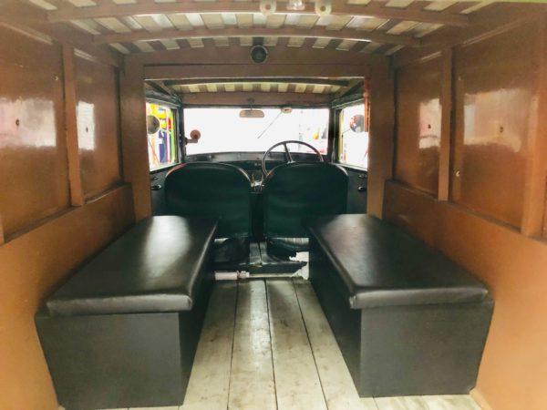 ancien camion Bedfort de 1938 intérieur