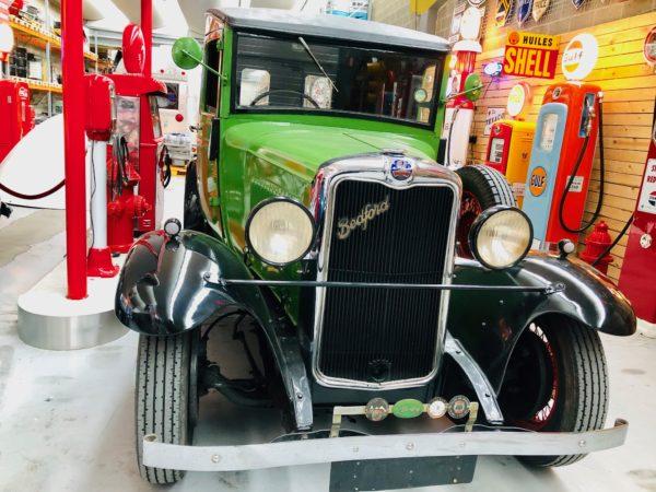camion Bedfort de 1938 , moteur 6 cylindre ,2400 cc