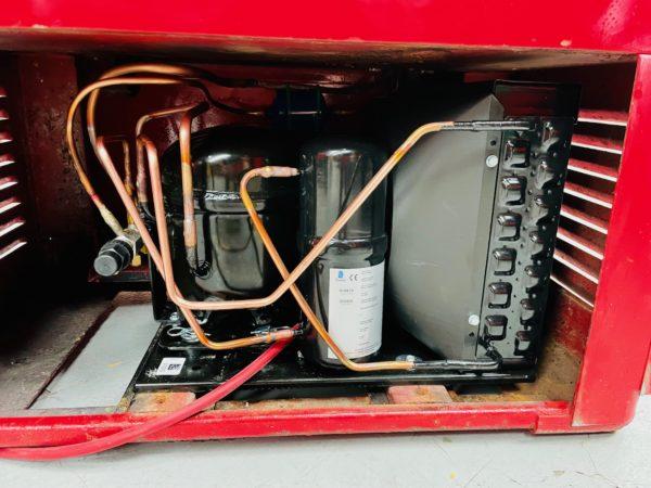 Distributeur Coca-Cola Cavalier 72 système de refroidissement
