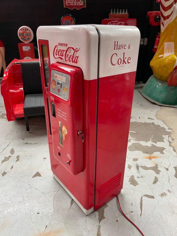 Distributeur Coca-Cola Cavalier 72 restaurée