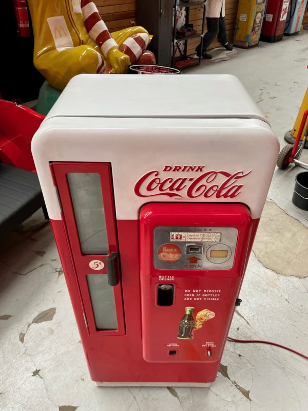 Distributeur Coca-Cola Cavalier 72 peinture d'origine