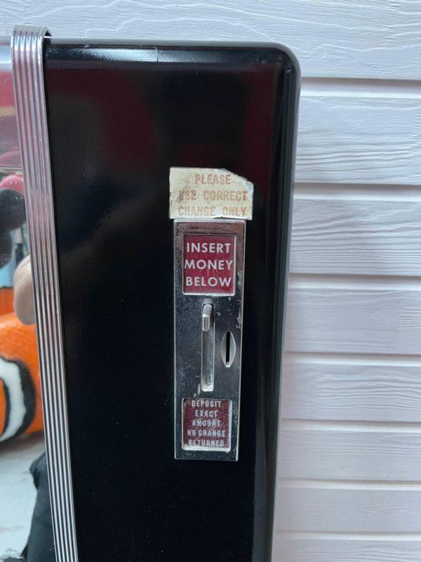 Distributeur de cigarettes américaine de la marque National